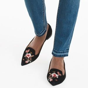 Floral Embroidered Black Flats